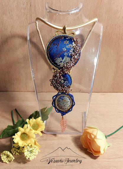 golden-flowers-necklace-3