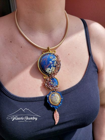golden-flowers-necklace-2